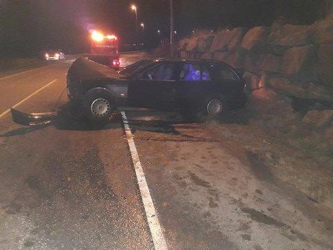 Bilen ble totalskadd i krasjen.