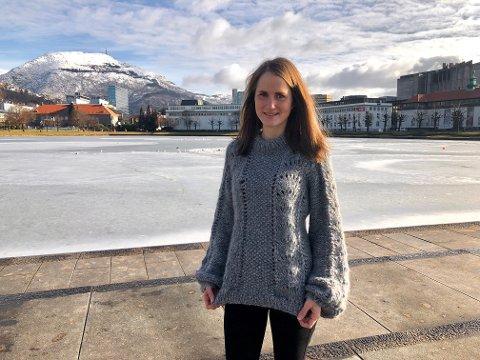 Marit Grødem har strikket flere gensere for venner og kjente. Genserne hun får flest forespørsler om å strikke lik er Gannigenseren og Skappelgenseren.