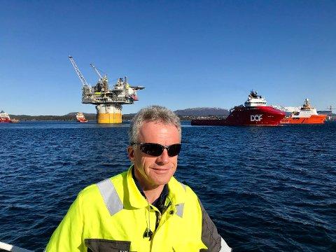 Helge Hagen, Statoil foran slepet av Aasta Hansteen-plattformen som skal til Nord-Norge fra Stord.