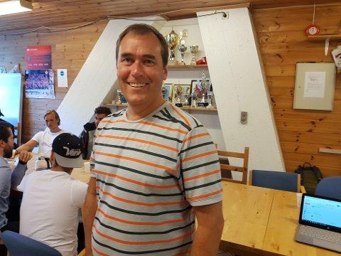 Bjarte Skage, som hans forgjenger Tore Lid, maner til edruelighet i driften av BIK. Han er ny styreleder.