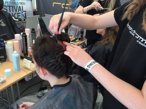 Her farger og glitrer de håret ditt om du vil skinne på Bergenfest.