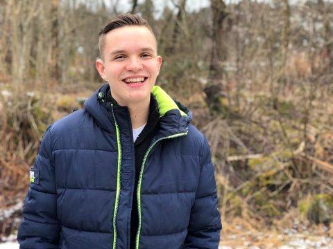 16 år gamle Joel Ystebø har vært interessert i politikk siden han var seks år gammel.