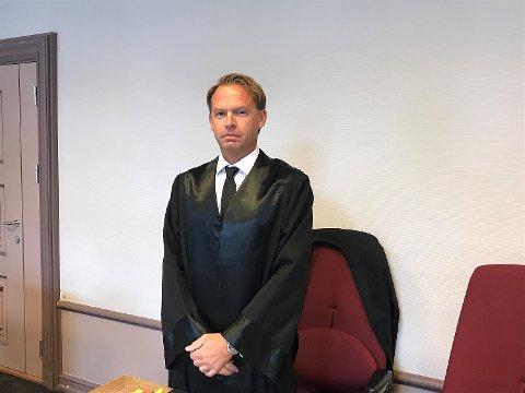 Offerets bistandsadvokat Kai-Inge Gavle sier den ansatte fryktet arbeidsgiveren og at han bor på hemmelig adresse.