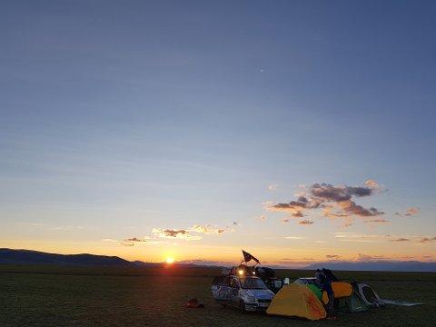– Vi sov for det meste i telt, eller hengekøye og både kjørte og campet ofte med andre deltakere, sier Line Sverdrup.