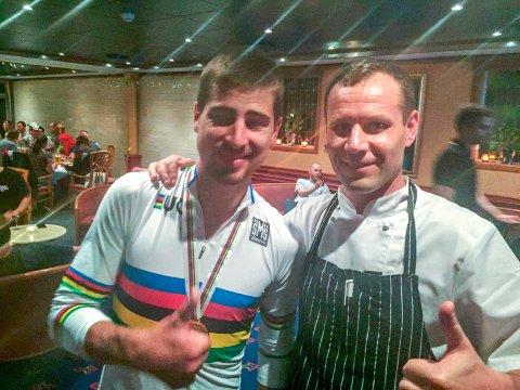 Sagan sammen med soussjef ved Alver Hotell, Andrius Galdikas.