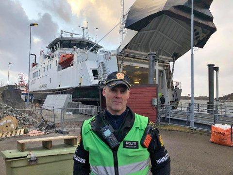 Innsatsleder i politiet, Frank Listøl, sier at situasjonen er under kontroll.