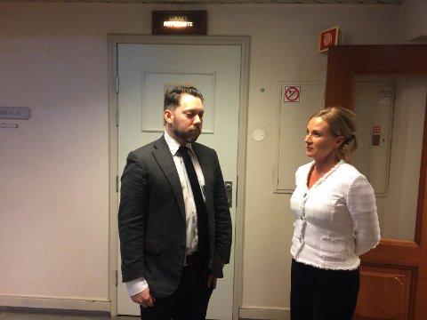 Bistandsadvokat Kjetil Johannes Ottesen og den siktede barnemorens forsvarer, advokat Ellen Eikeseth Mjøs.