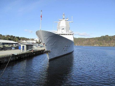 Dette bildet av KNM «Otto Sverdrup» er tatt på Haakonsvern ved en tidligere anledning.