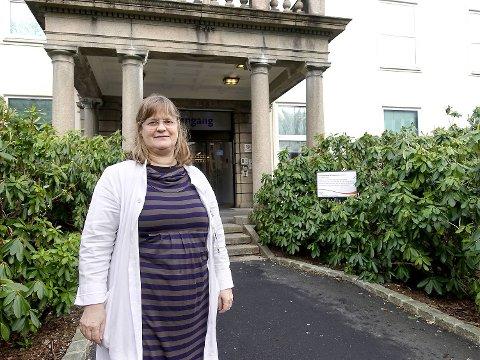 Susanne Albrechtsen, klinikkdirektør ved Kvinneklinikken, svarer på varslene overfor BT.