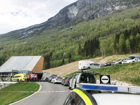 Ulykken skjedde ved gondolbanen i Loen søndag ettermiddag.