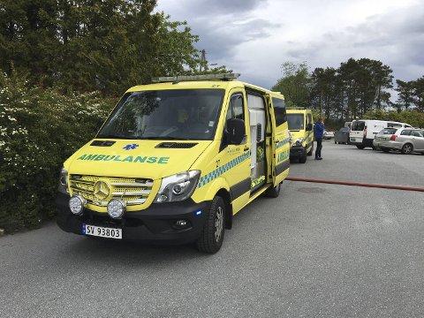 Det brant i et rekkehus i Åstveitskogen tidlig lørdag morgen. Store ressurser fra nødetatene ble sendt ut.