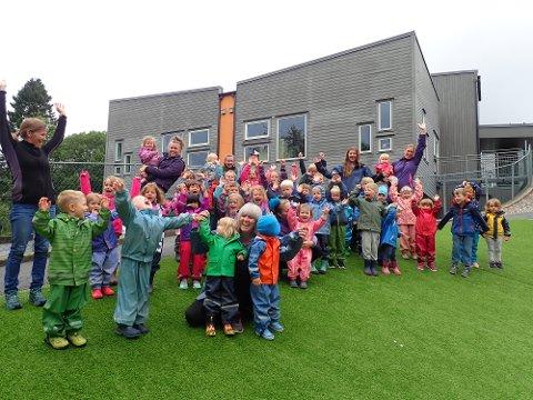 Gleden var stor da barna i Kidsa Øsvttun fikk høre at de gikk i en av de beste barnehagene i Norge!
