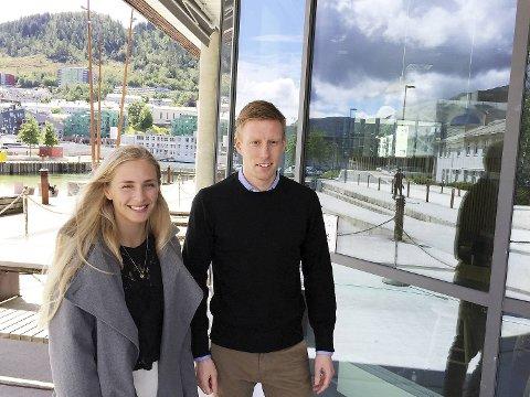 Aurora Baardsen og Asbjørn Nordrum er hydrogen-sommervikarer hos Norled. FOTO: SVEIN TORE HAVRE