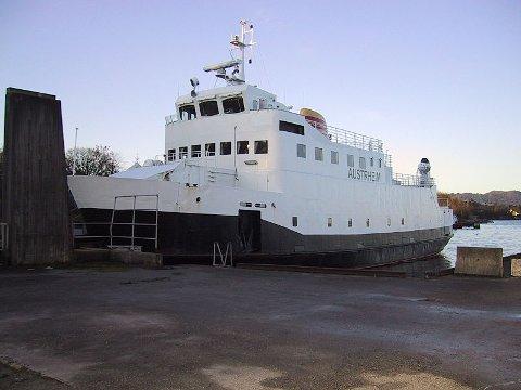 Flere er meldt omkommet etter at MF «Austrheim» forliste.