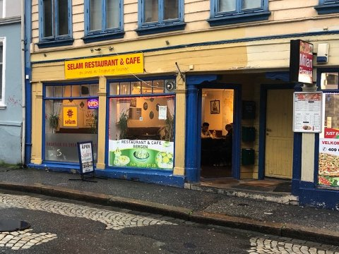 Selam Restaurant måtte stenge fordi Mattilsynet fant skadedyr på kjøkkenet. To dager senere, fikk de imidlertid åpne opp igjen.