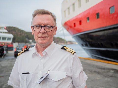 Kaptein Lars Kristian Larsen valgte å snu hurtigruten MS «Nordlys». Foto: Marthe Svendsen