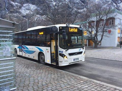 Det vil at rundt tolv måneder å omprofilere alle Kringom-bussene.