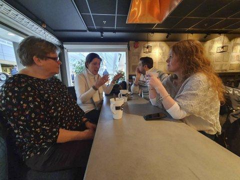 Liv Lundeland, Jane Fredly, og May Britt Abinda i Kveldsvakten føler seg dolket i ryggen av Bergen kommune.