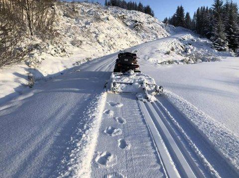 Vinteridyll på Totland i dag. I morgen er snøen mest sannsynlig omgjort til slaps.