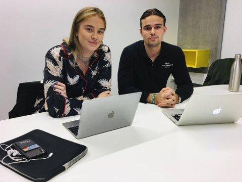 20-åringene Martha Schøyen Raaum og Fredrik Lura er begge økonomistudenter ved Norges Handelshøyskole. De mener smittevern er viktigere enn eksamen akkurat nå.