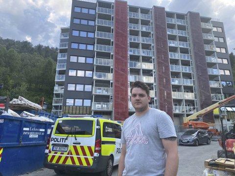 Christian Tirevoll (23) fikk «besøk» av en drone.