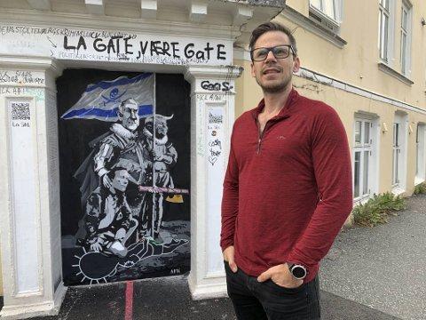 Morten Heszlein-Lossius er en av gatekunstnerne som laget kunsten natt til onsdag.