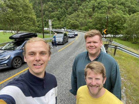 Daniel Kydland, Ivar Bye, Håkon Økland Kinsarvik møtte lang kø på veien til Voss