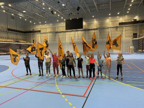 Åsane Håndballs jenter 10 år var et av de første lagene til å få bruke hallen.