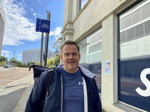 Jon Rørtveit trener på senteret i Lars Hilles gate, og fikk melding om smittetilfellet.