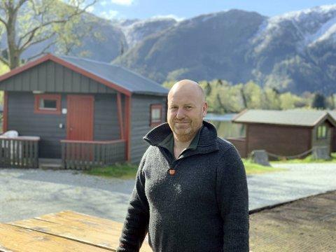 Henrik Lohne i Lone Camping i Arna har mottatt drøyt 390.000 kroner i statlig kontantstøtte som kompensasjon for bortfall av inntekter i sommer.
