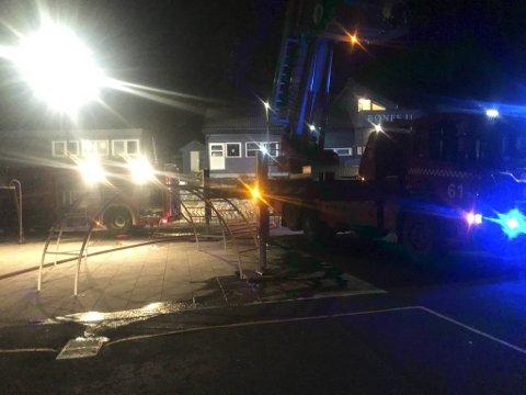 Klokken 0200 natt til 1. januar begynte det å brenne i klubbhuset til Bønes IL.