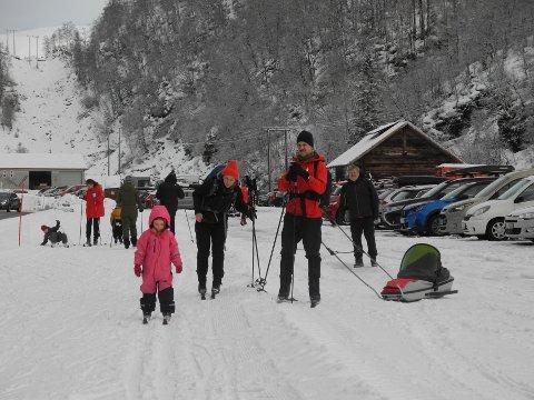 Kaja og familien hadde funnet veien til skiløypene på  Bontveit søndag.
