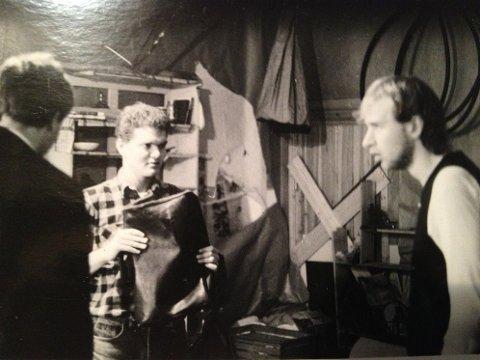 DNS-skuespiller Jon Ketil Johnsen (til høyre) i «Vaktmesteren» på Lille Kirkeristen Teater i Oslo tilbake i 1985.