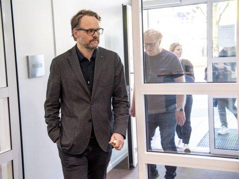 Marius Arnason Bøe er etatsdirektør for skole i Bergen kommune. Han innrømmer at det de strenge tiltakene kom noe overraskende.