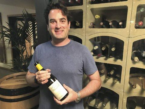 Gavin Chanin tilhører den unge generasjonen av vinmakere som lager viner det vil bli spennende å følge i året som kommer. Han holder til i Santa Barbara i California.