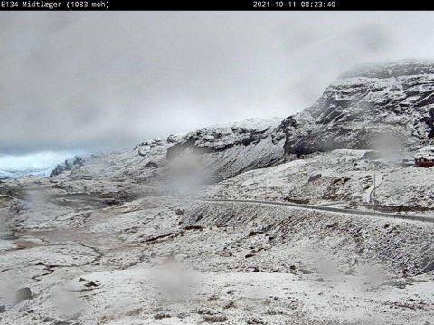 Ved fjellovergangen på Haukelifjell ser det ut til å være et guffent føre mandag morgen. Meteorologen ber folk forberede seg, før de legger ut på langtur.