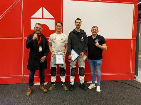 F.v.: Styreformann Frode Stien, gullvinnerne Sander Kvittingen og Leon Seilen, og leder for Opplæringskontoret for Overflateteknikk i Bergen, Simen Bjørnestad.