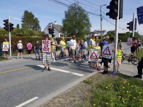 Beboerne nord i Åsane har stengt veien før. Nå skal de gjøre det igjen, i mye større skala.