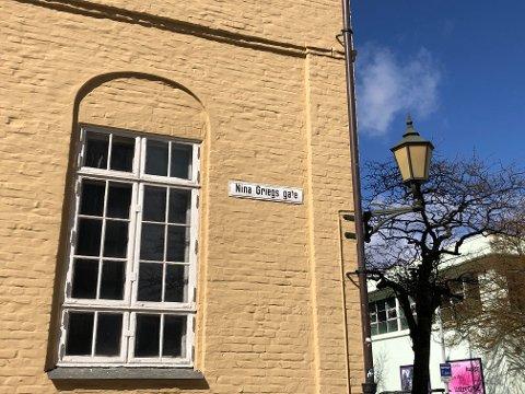 Det kan ta lang tid før flere av byens gater kan skilte med et kvinnenavn, som her i Nina Griegs gate.