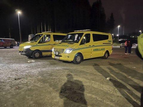 Flere ambulanser og fire-fem politipatruljer rykket ut til Hordnesskogen natt til lørdag.