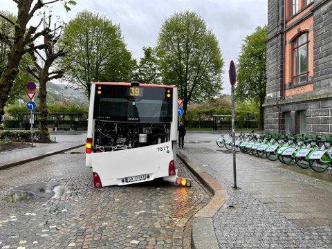 Denne bussen fikk trøbbel på vei fra Åsane til bystasjonen.