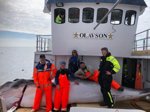 Olav Husa, Margarett Halland, Olav Pollen, Øystein Halland, Stig Morten Halland, Chris Martin Erstad og Harald Wangsmo Hagen var med på båten.