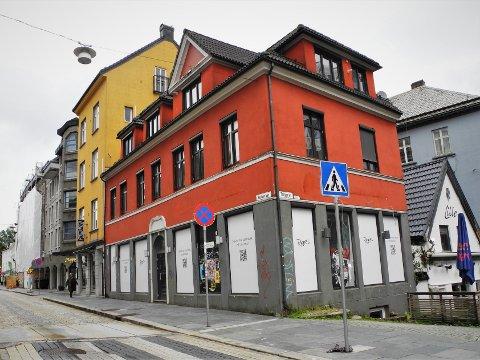 Det har vært flere planer for Vaskerelven 16. Nå er det bestemt at restauranten og utestedet Rebel skal åpne i sommer.