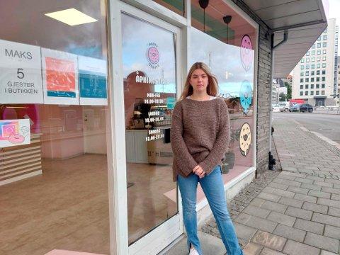 Josefine Larsen er lei av de stadige innbruddene i det populære donuts-bakeriet. (Arkivfoto)