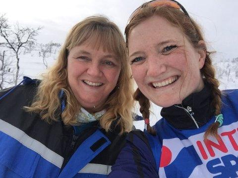 Ordfører Monika Sande i Beiarn og ordfører Ida Pinnerød i Bodø. Bildet er tatt før koronaepidemien brøt ut.