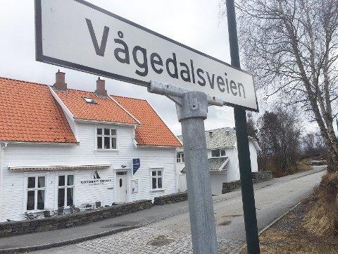 Vågedalsveien i Østhusvik er blant veiene som Rennesøy kommune må endre navn på hvis Fellesnemda vedtar prosjektrådmannens anbefaling 16. april.
