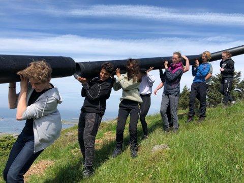 Siste etappe: Etter å ha brukt hjernen på fyret og fortet, var det til slutt tid for å bruke kroppen på Fjøløy.