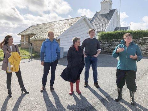 Kirkebehov: Varaordfører på Kvitsøy, Gro A. Steine, fortalte fylkesutvalget inngående om menighetsarbeidet og behovet for et tilbygg ved Kvitsøy kirke.