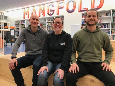 Ønsker velkommen: Ronny Gundersen (f.v.), Ingunn Moa og Thomas Raustein inviterer ungdommer til en ny rundt UKM på Randaberg.