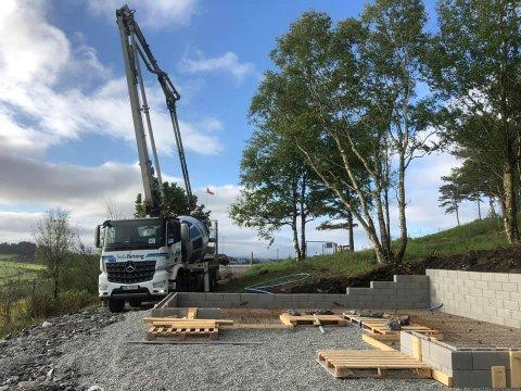 Arbeidet er i gang: Her, på Randabergfjellet, kommer den nye gapahuken.